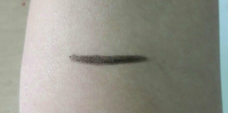 Lakme Eye Brow Pencil Black Review 3