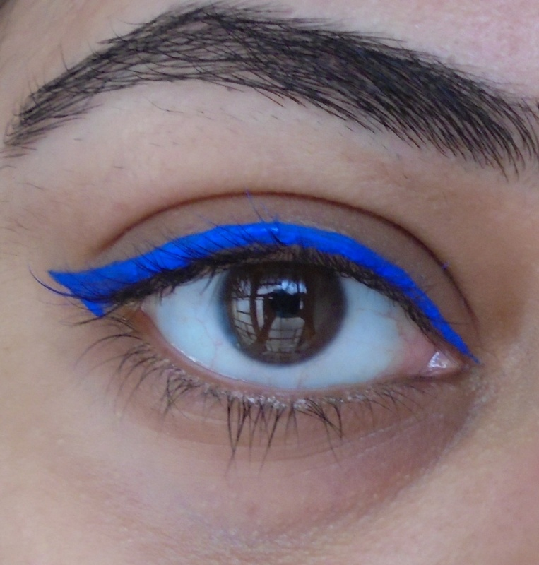 Lakme Insta Liner Blue Review 3