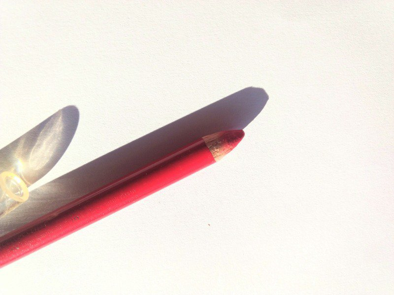 Lip Liner Oriflame Very Me Lip Crayon Fuchsia  1