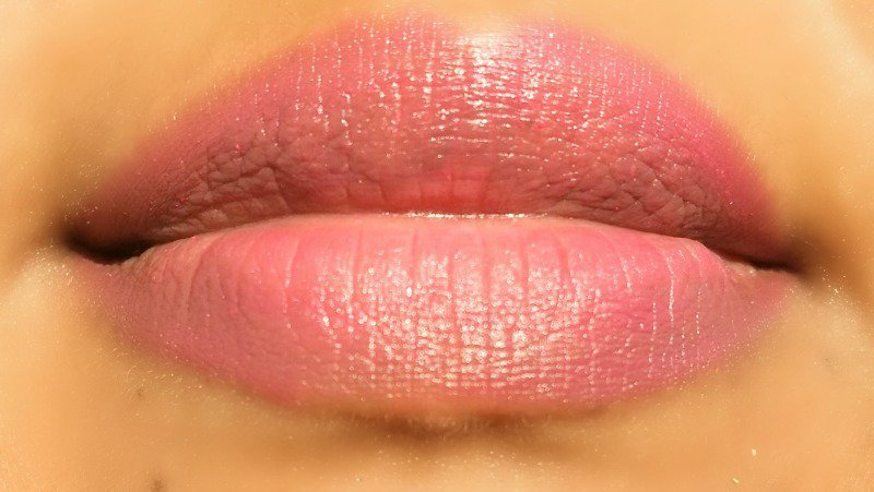 Lip Liner Oriflame Very Me Lip Crayon Fuchsia  4