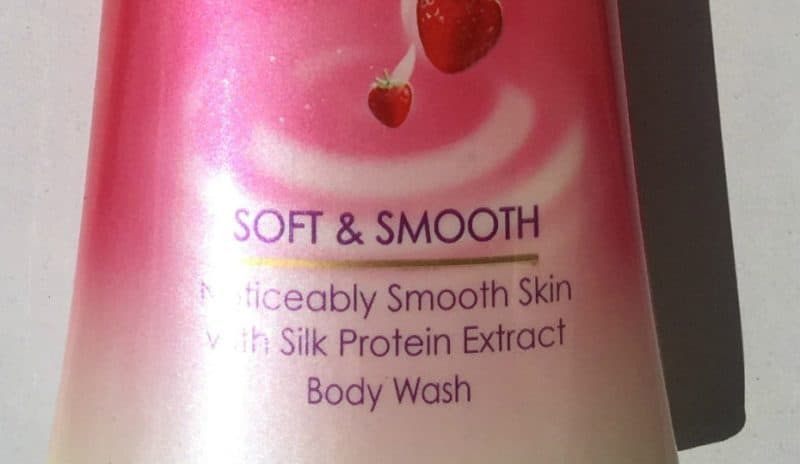 Lux Strawberry & Cream Body Wash Review 2