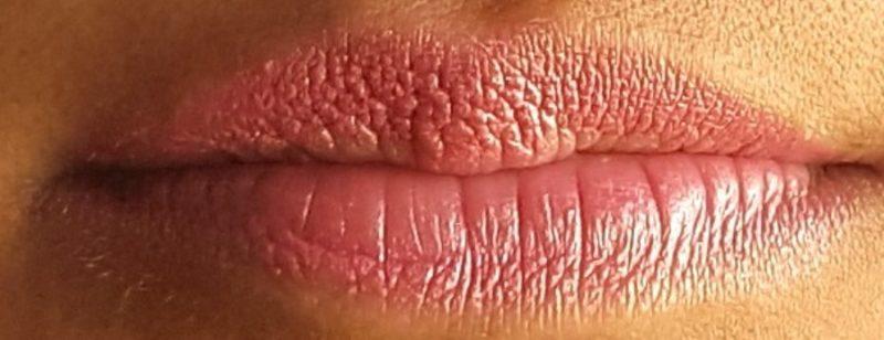 MAC  Bombshell Frost Lipstick 6