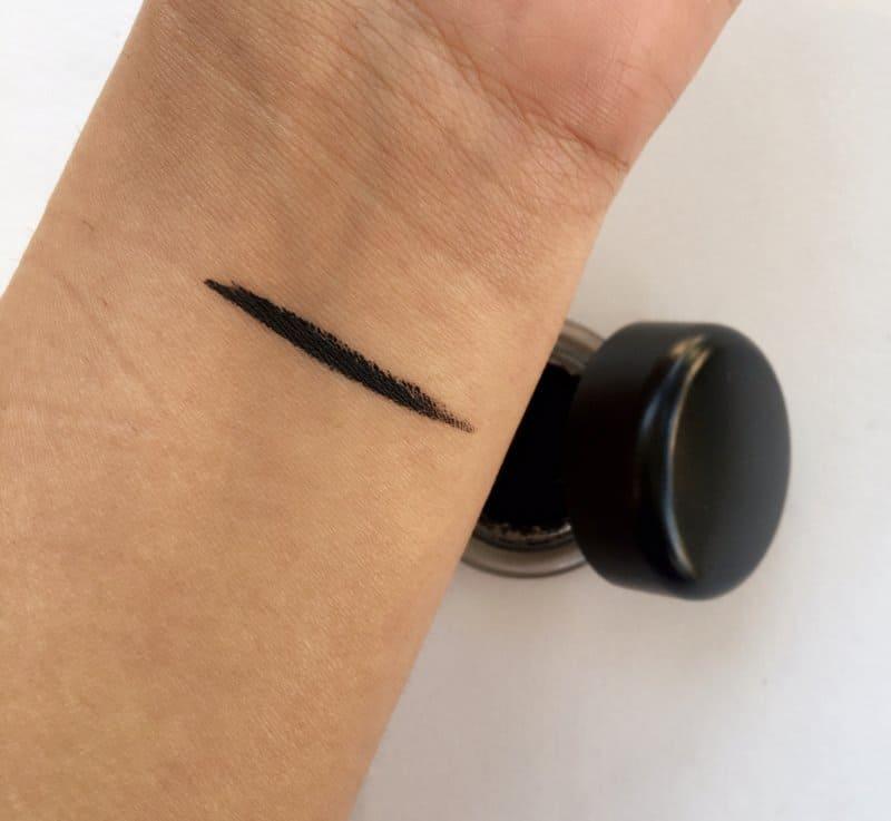 MAC Fluidline Gel Eyeliner Blacktrack 4