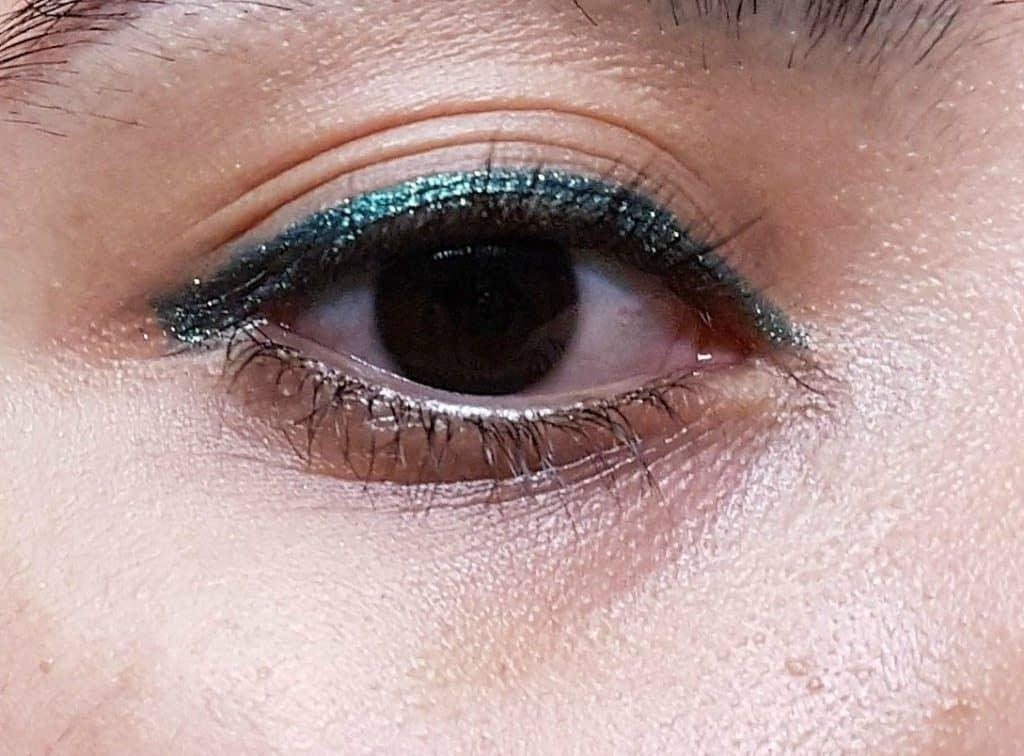 MAC Pearlglide Intense Eyeliner Crayon Undercurrent Review 7