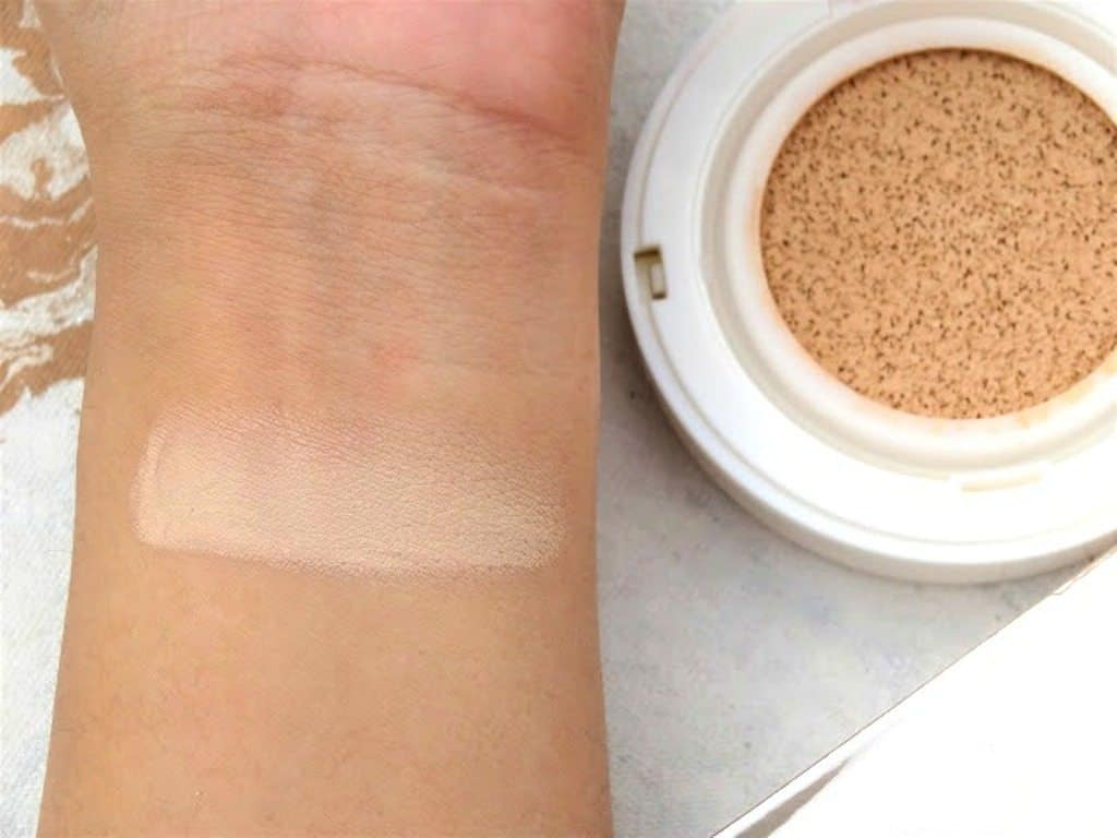 Maybelline New York BB Cushion Foundation Review 4