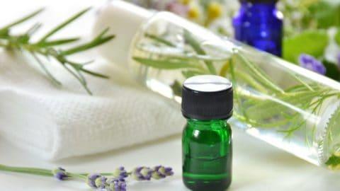 Neem Oil Benefits for Skin 3