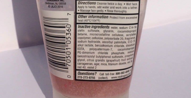 Neutrogena Oil-Free Acne Wash Pink Grapefruit Foaming Scrub 3