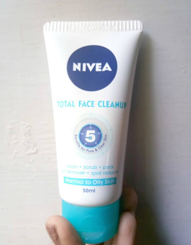 Nivea Total Face Cleanup Face Wash Review 1