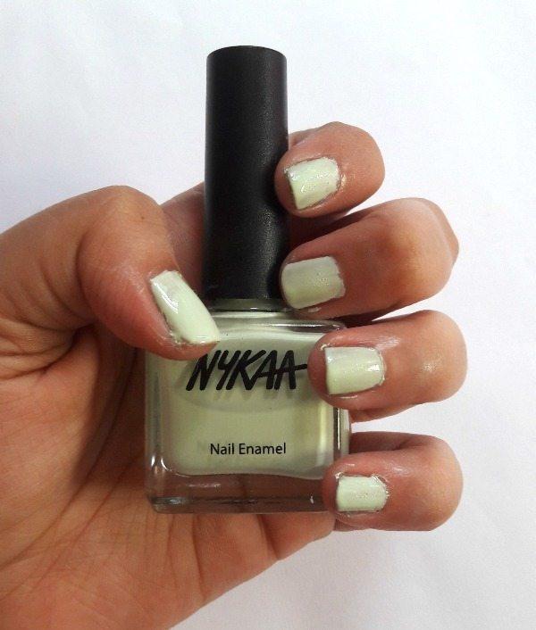Nykaa Chrome Nail Polish Review: Nykaa Nail Enamel Lilac Cupcake And Kiwi Kooler