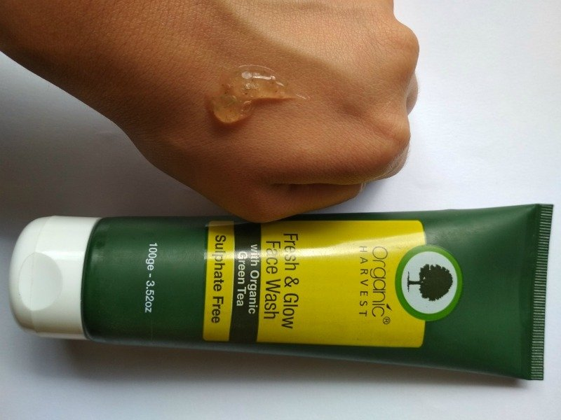 Organic Harvest Fresh And Glow Face Wash