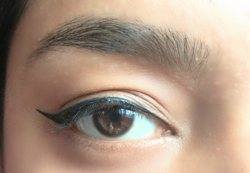 Oriflame Giordani Gold Liquid Eye Liner 4