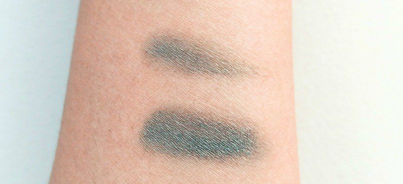 Oriflame The One Color Impact Cream Eyeshadow Olive Green Review  4