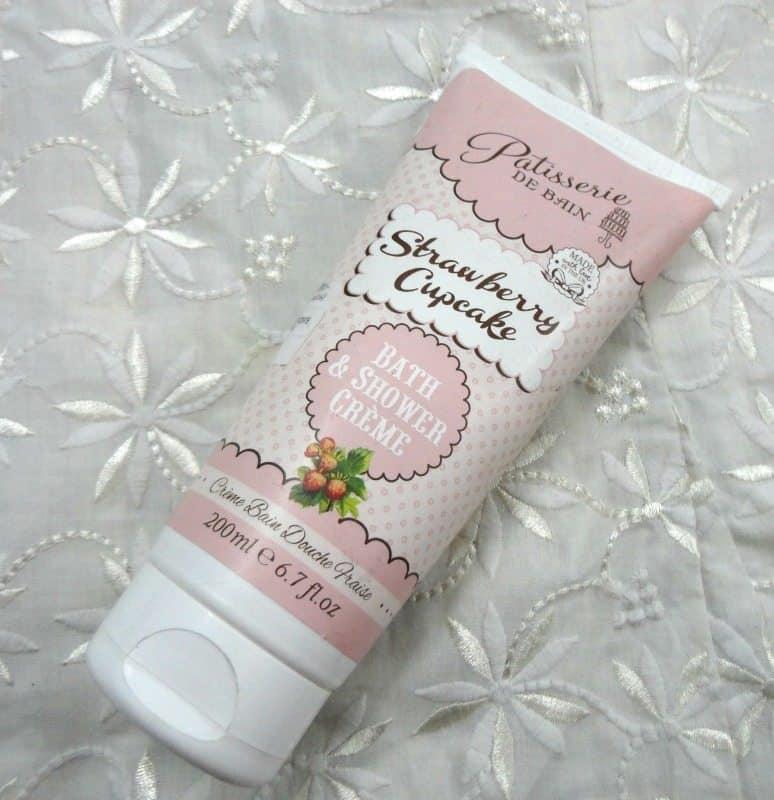 Patisserie De Bain Strawberry Cupcake Bath And Shower Crème 1