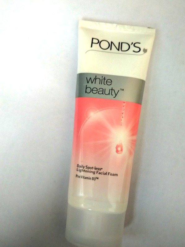 Ponds White Beauty Daily Spotless Lightening Facial Foam With Pro-Vitamin B3 Review 1
