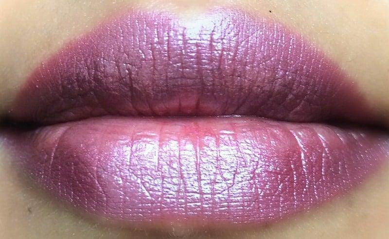 Revlon Super Lustrous Lipstick Pearl 465 Plumalicious  3