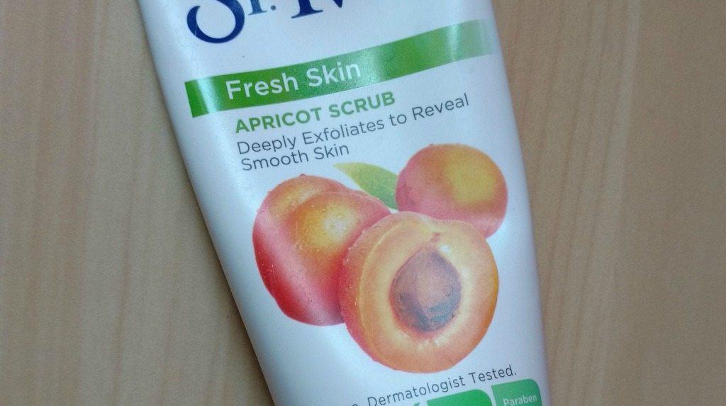 St.Ives Fresh Skin Apricot Scrub Review 1