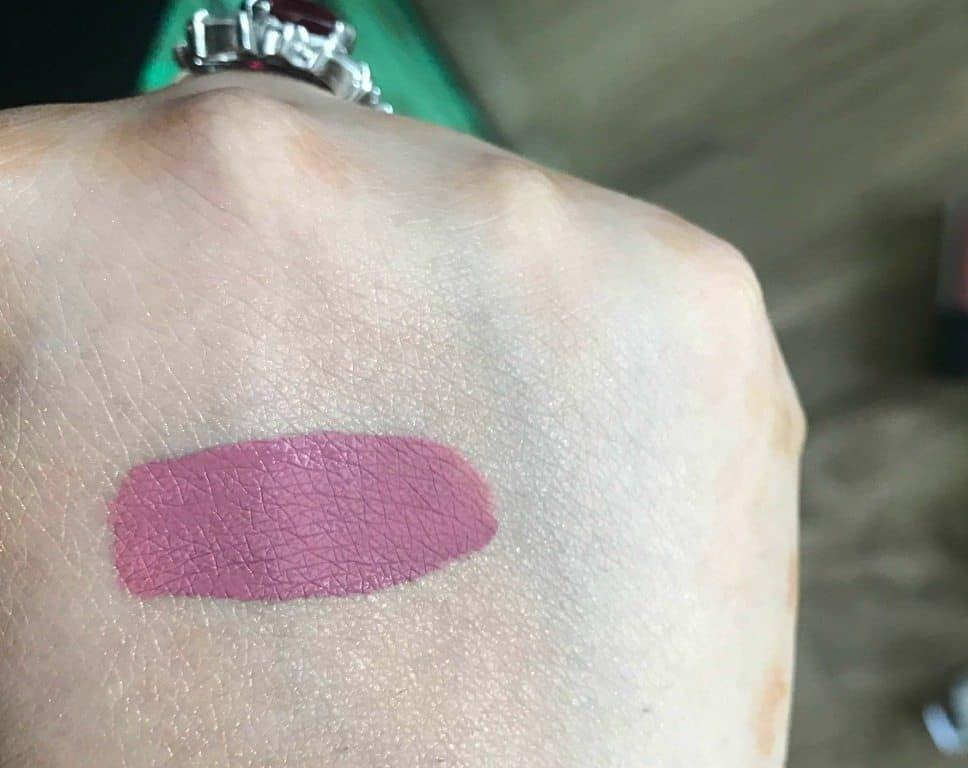 Sugar Smudge Me Not Liquid Lipstick 09 Suave Mauve Review  2