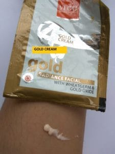 VLCC Gold Facial Kit Review 5