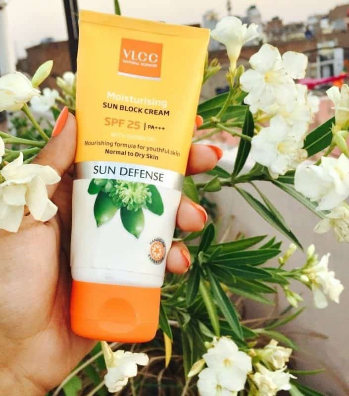 VLCC Moisturising Sun block Cream with Jojoba Oil Review