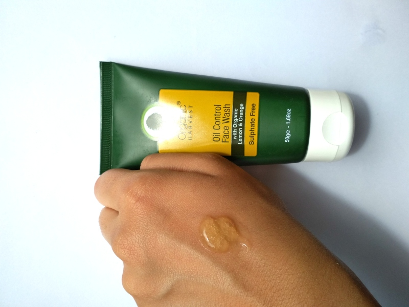 What is Organic Harvest Oil Control Face Wash Review 1
