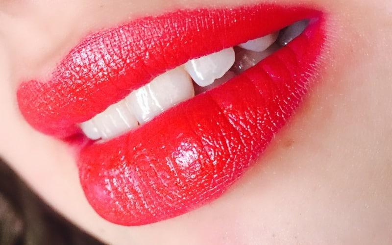 Wet n Wild Silk Finish Lipstick Cherry Frost  4